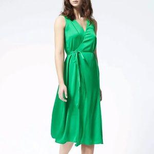 EUC Banana Republic wrap tie dress midi green XS